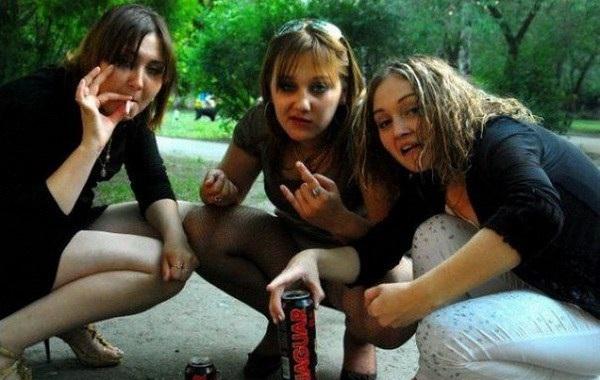 Приколы девушки пьяные видео (1 видео 19 фото )