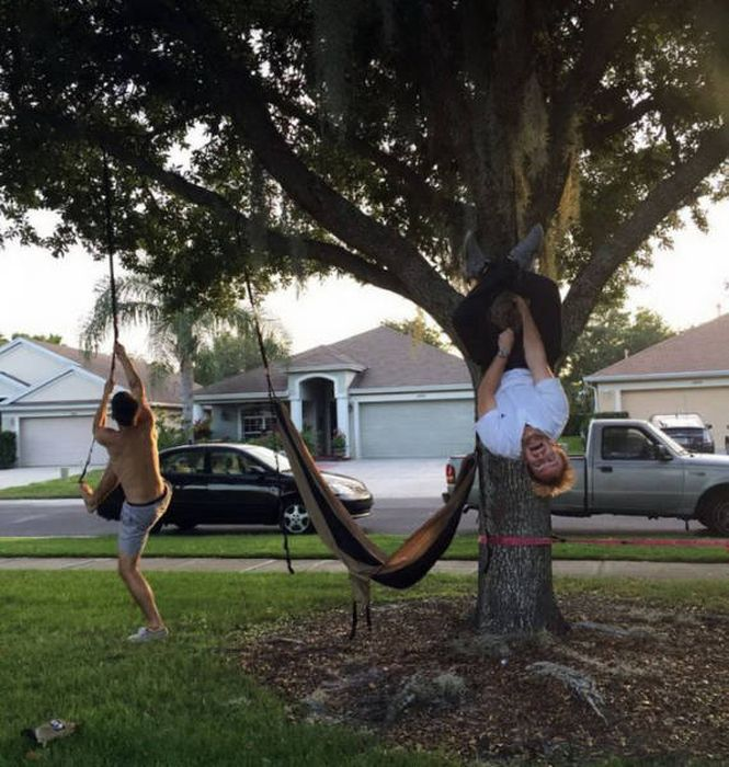 Представители сильного пола забавляются (56 фото)