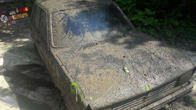В Франции отыскали авто, похищенное 38 лет назад (3 фото)