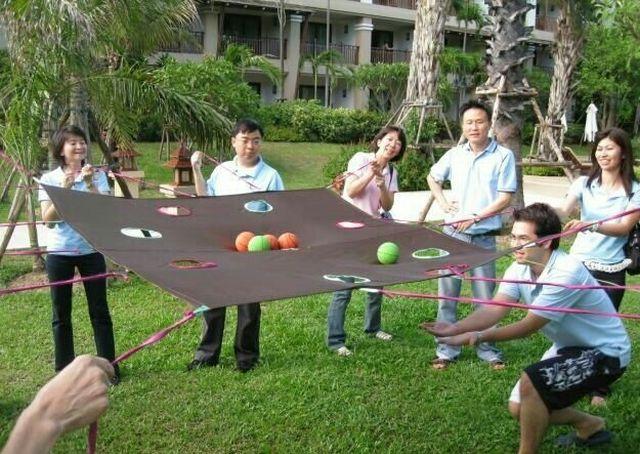 Забавы, в которые мы с вами возможно не играли (9 фото)