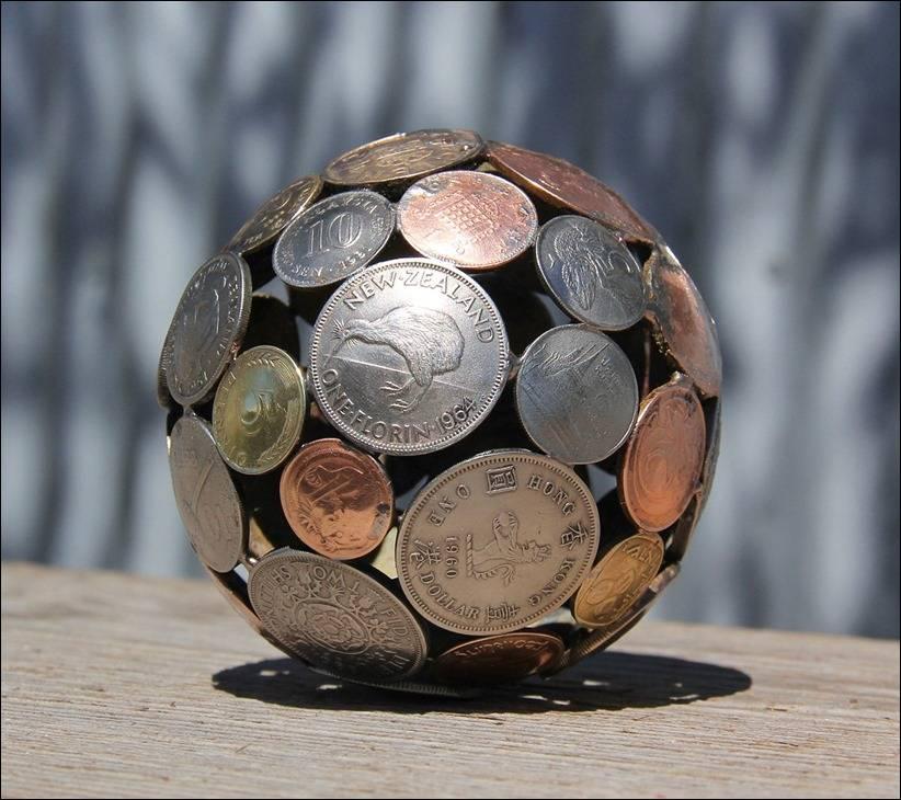 Мяч из монет