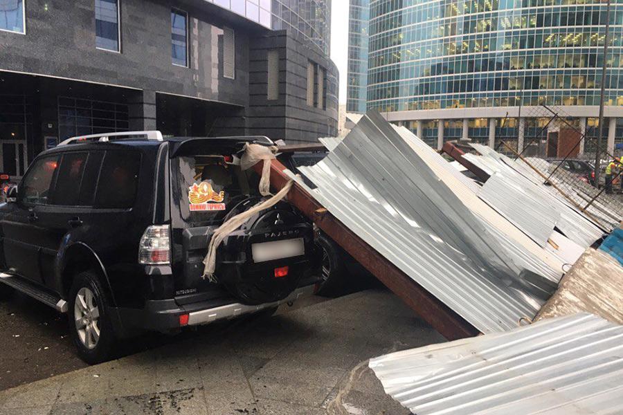Последствие урагана, бури в Москве