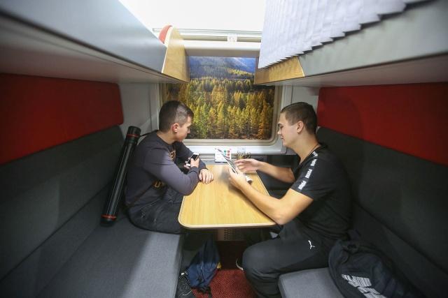 Как в реальности станет смотреться новый плацкартный вагон (14 фото)