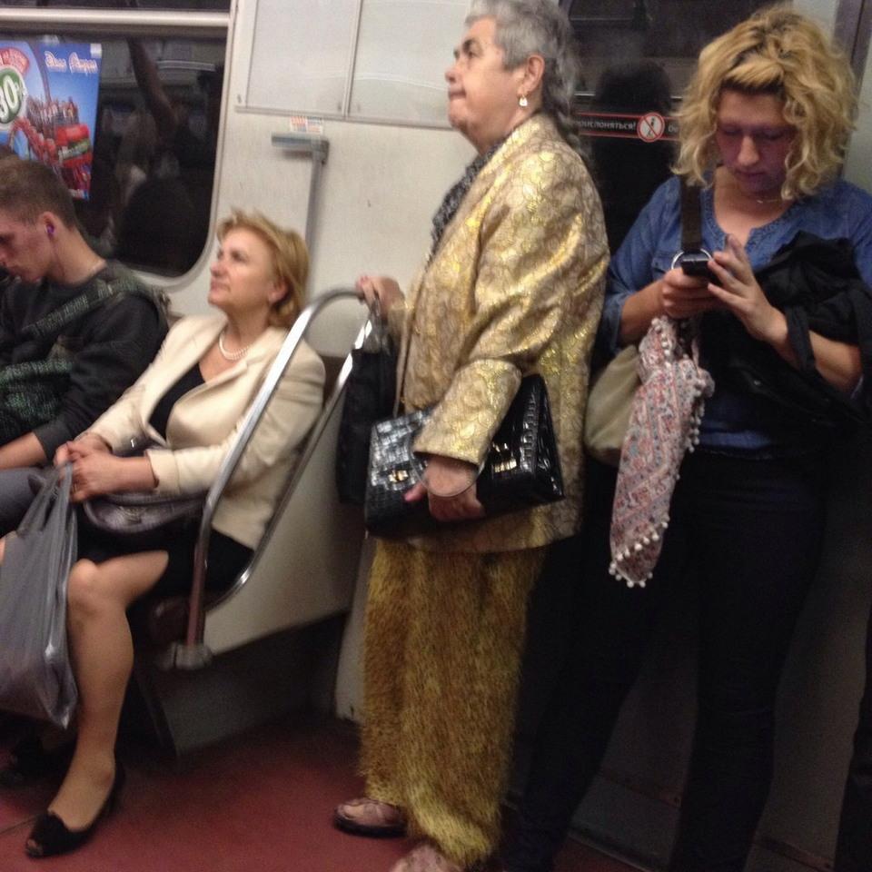 Модники в русском метрополитене (50 Фотоснимков)