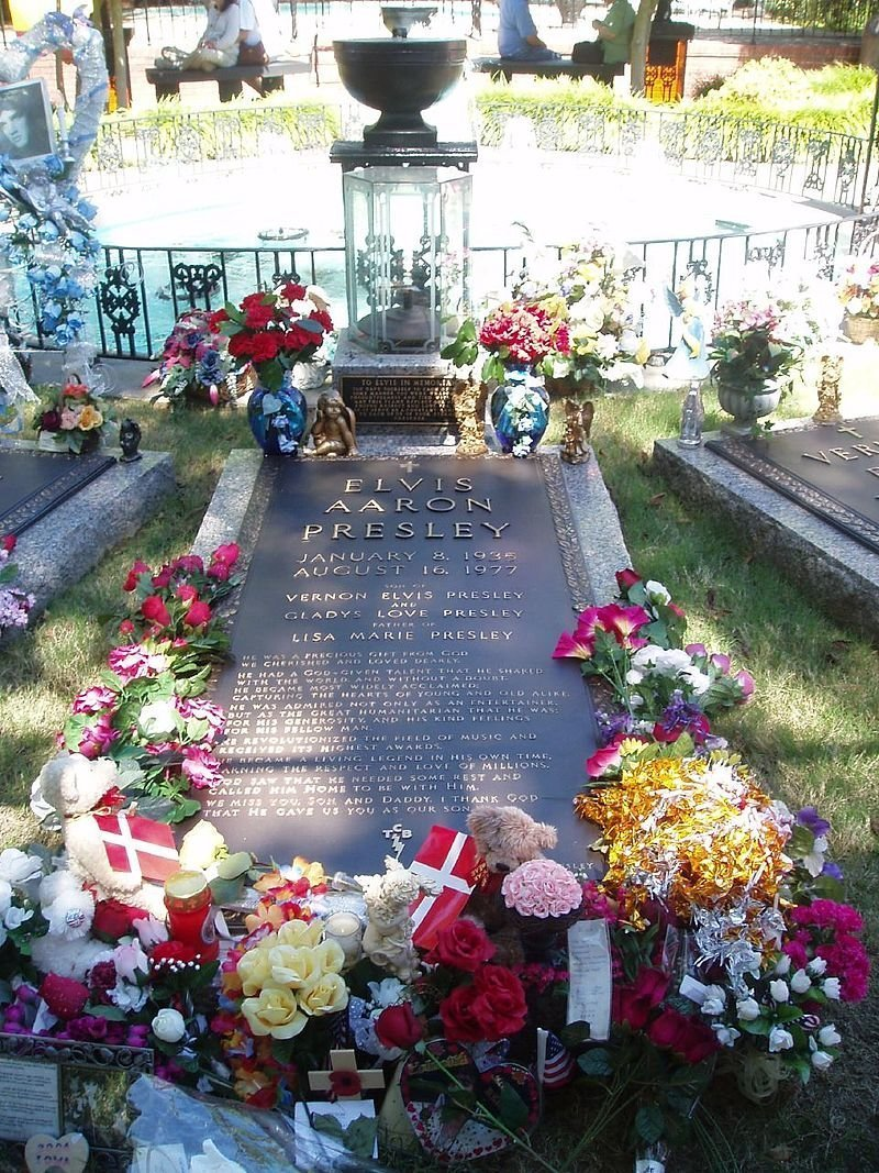 Элвис Пресли жизнь, звезды, кладбище, могилы, музыканты, похоронены