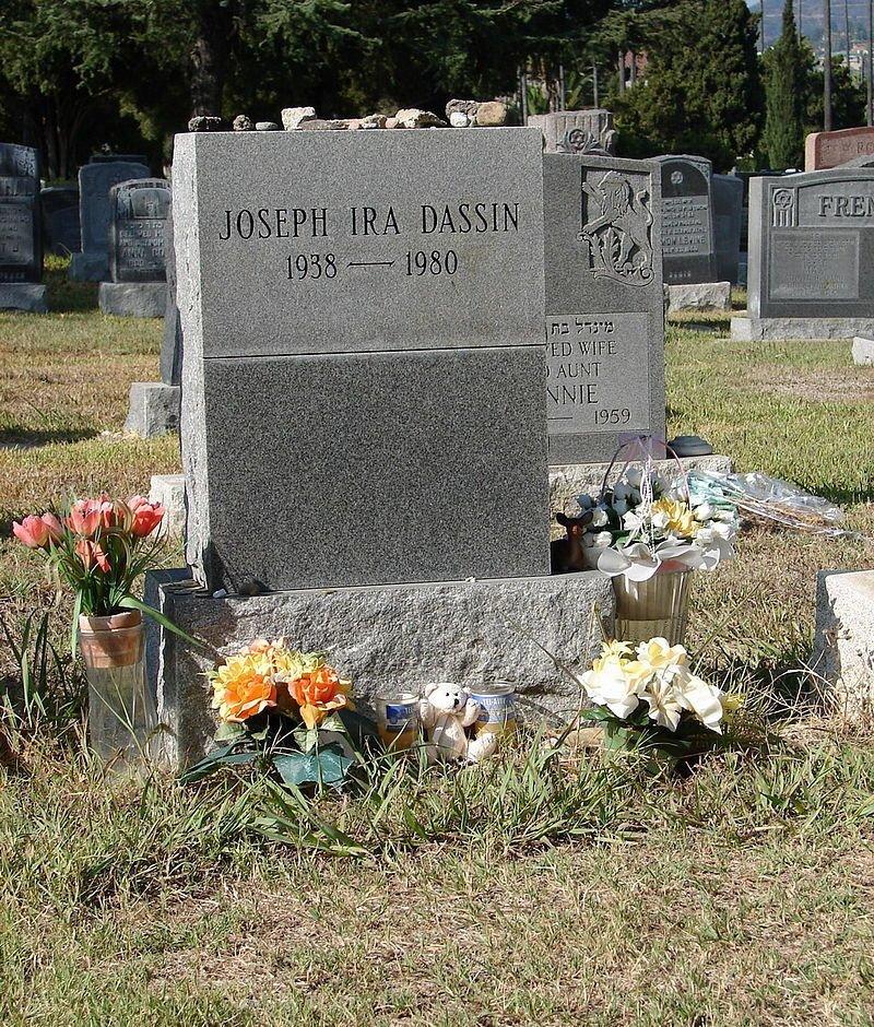 Джо Дассен жизнь, звезды, кладбище, могилы, музыканты, похоронены