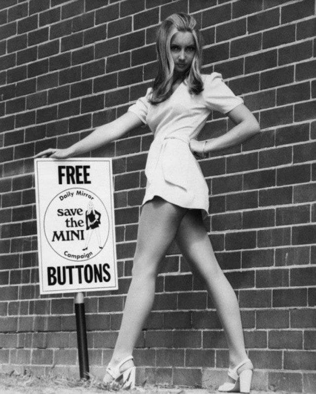 60-е годы ХХ века - время появления мини-юбок. Но за них женщинам пришлось побороться.