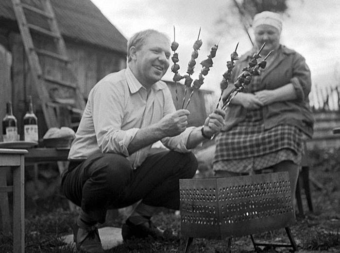 Фотоподборка домашних фото обожаемых русских актеров.