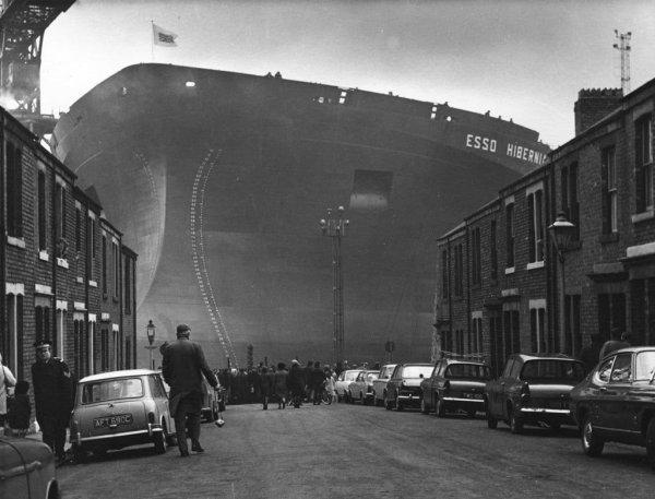 Строительство танкера Esso Hibernia, 1970 год