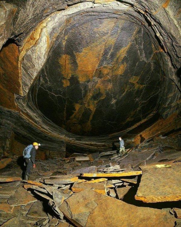 Каменная шахта «Глаз дракона» в Великобритании