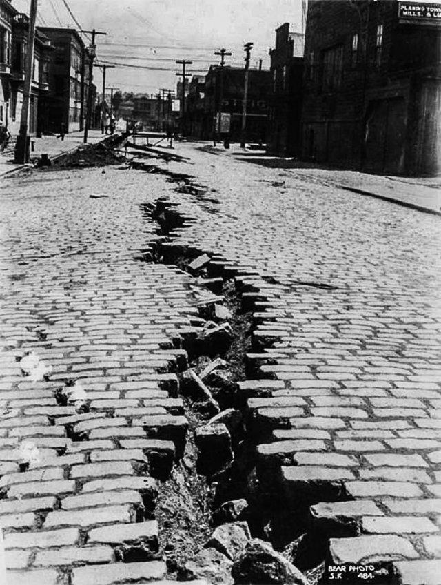 Улица в Сан-Франциско после Великого землетрясения, 1906 год