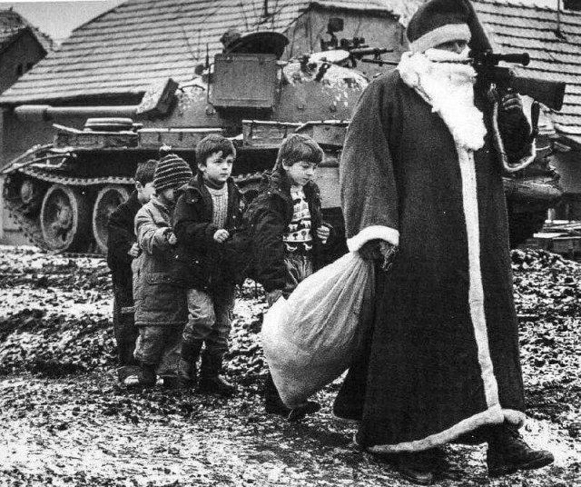 Дед Мороз во время войны за независимость Хорватии. Югославия, 1991 год.