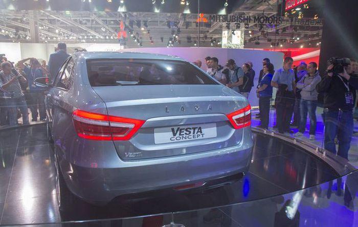 В Москве официально представлены Lada Vesta и Lada Xray (31 фото)