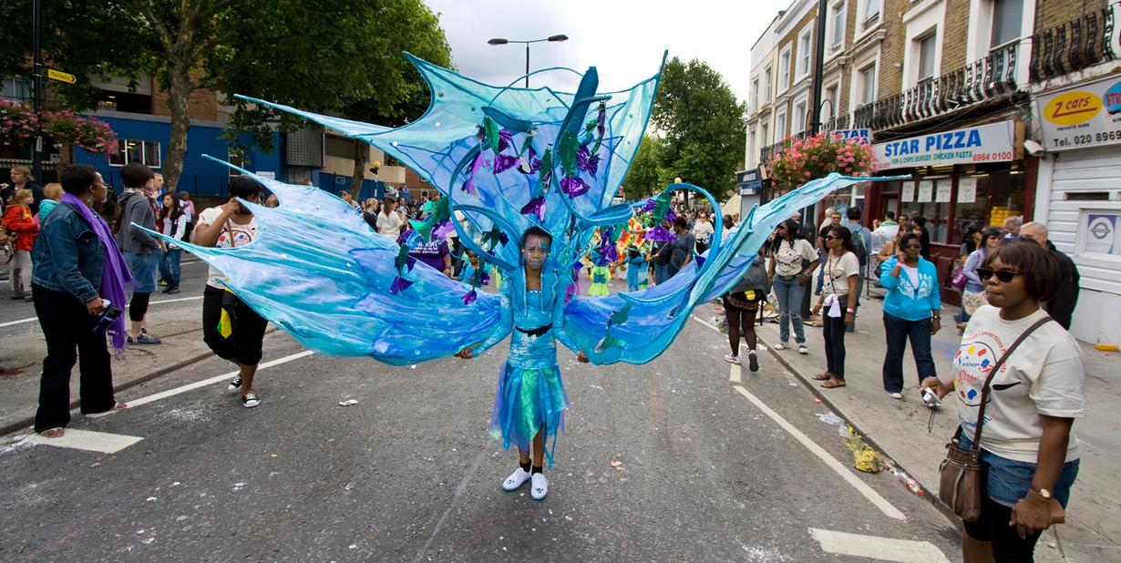 Великобритания. Лондон. Во время Ноттинг-Хиллского карнавала. (Pete Bellis)