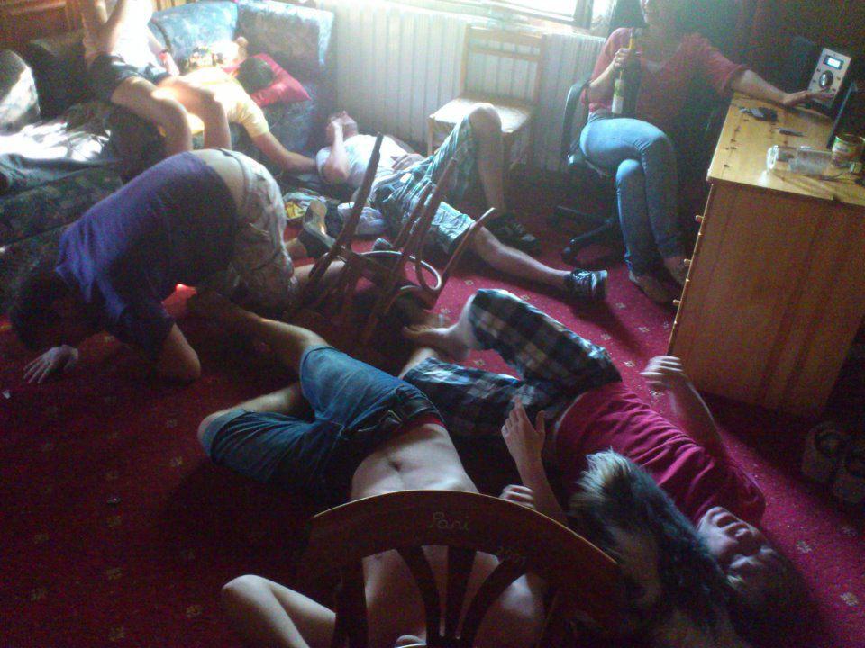 Голые спящие пьяные занимаются сексом видео