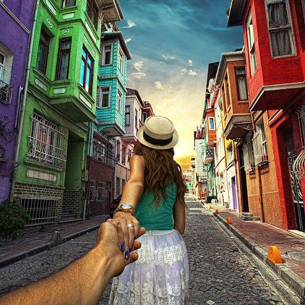 Возьми меня за руку, следуй за мной.