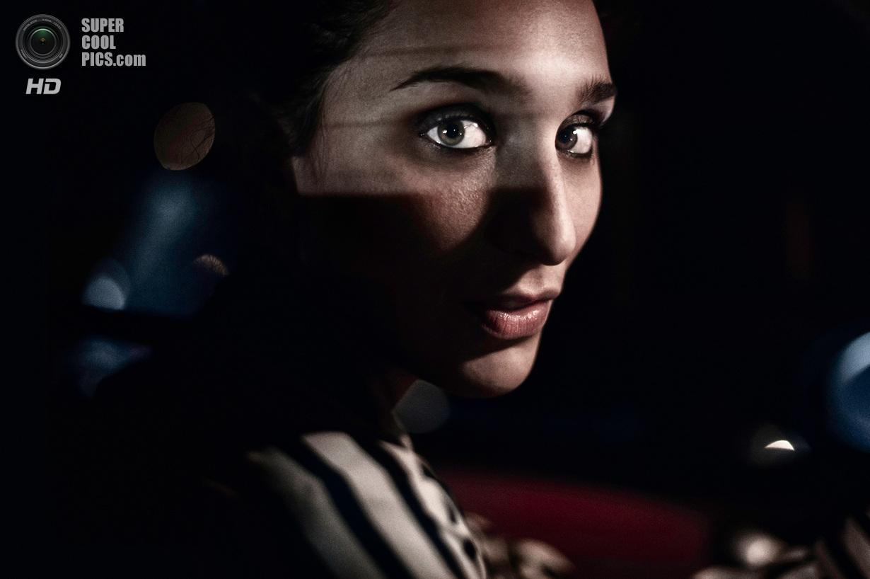 «Поощрительный приз». Моя девушка за рулем автомобиля. Место съемки: Италия. Рим. (Michele De Punzio/National Geographic Photo Contest)