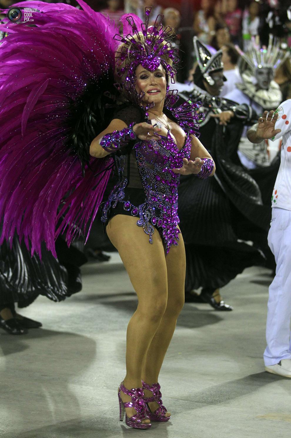 Тёлки бразильского фестиваля 26 фотография