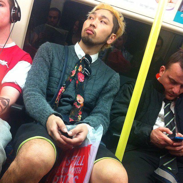 Странные люди в лондонском метро