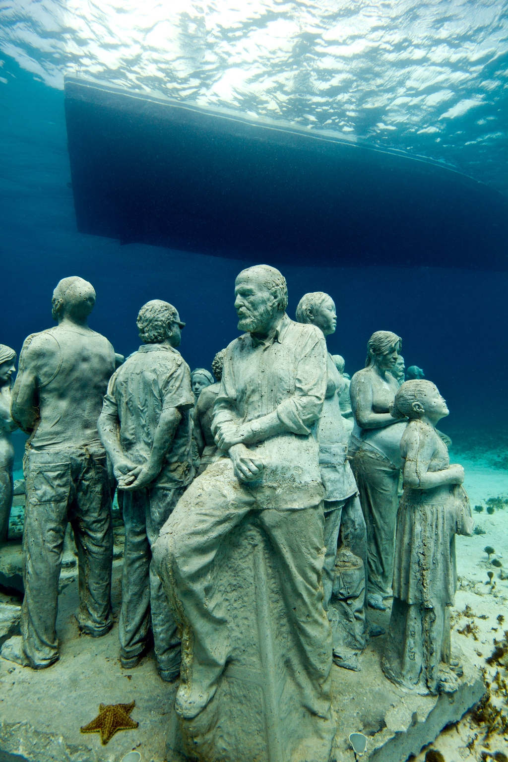Подводный музей в Канкуне