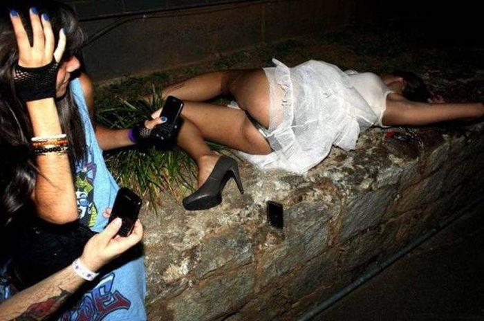 Забавные и милые девушки шалуньи ( 60 фото )
