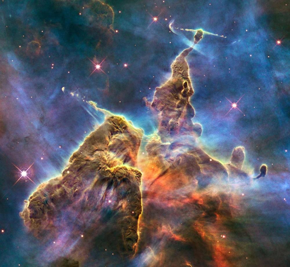 Туманность Киля, снятая в феврале 2010 года с телескопа Hubble.