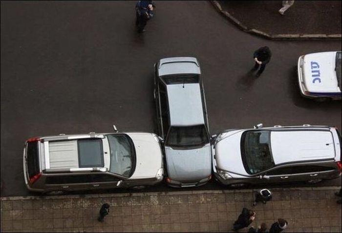 самые нарядные и забавные фотографии автомобильных курьёзов.