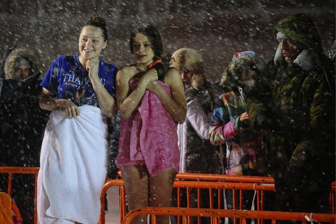 20. А Владивосток тем временем накрыл сильнейший снегопад.