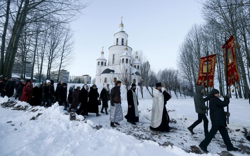 4. Крещение Господне отмечают не только в России, но и в Белоруссии и Украине.