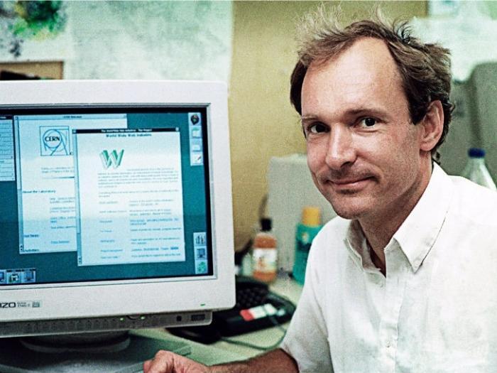 С чего 25 лет назад начинался интернет (9 фото)