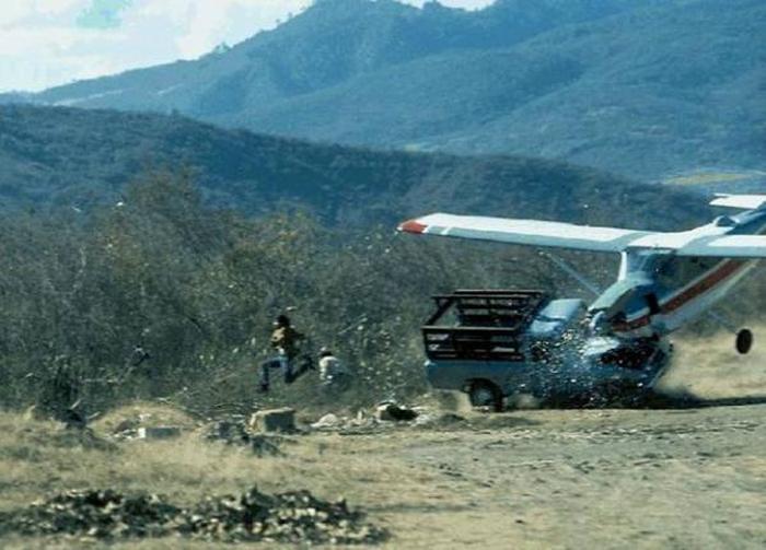 Самолетные происшествия в снимках ( 65 фото )