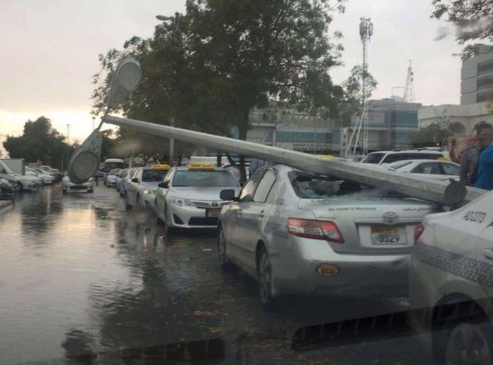 Абу-Даби и Эмираты пострадали от бури (10 фото)