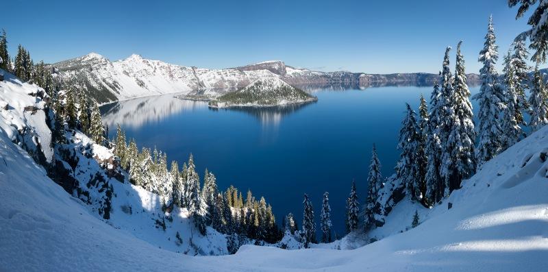 Крейтер - самое глубокое озеро США. фото