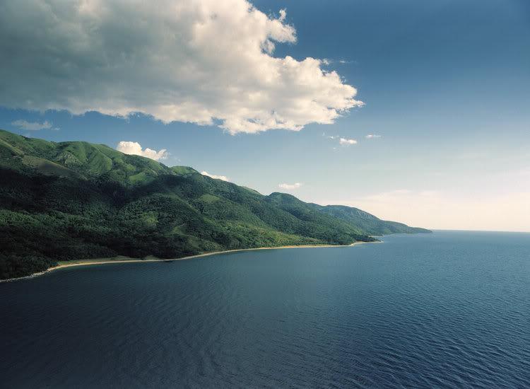 Танганьика – самое глубокое озеро Африки. фото