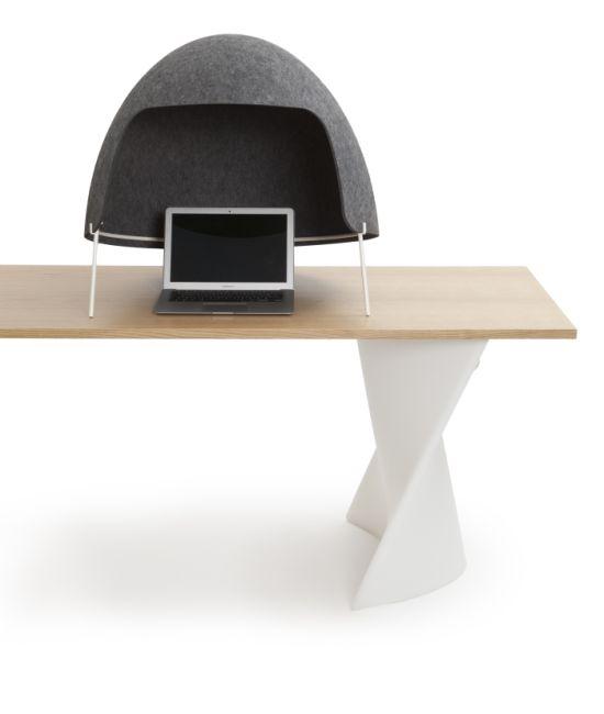 Офисная каска - новшество для тех, кому приелся звук в офисе (5 фото)