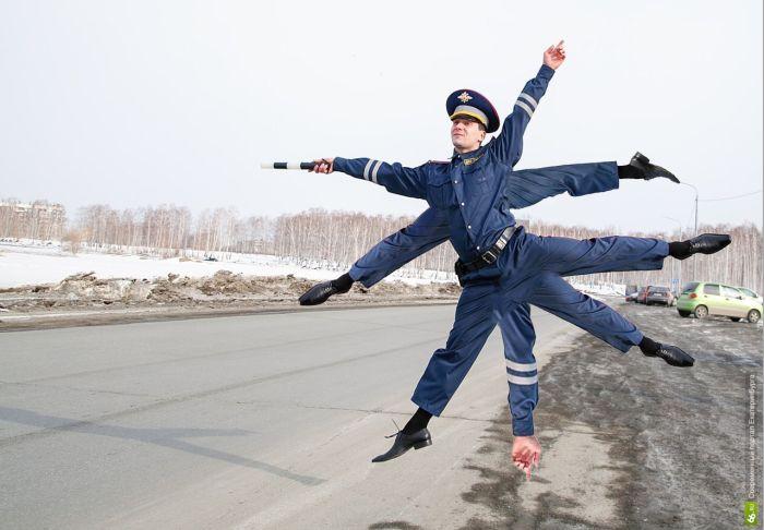«Инспектор ГиБДД» стал героем фотожабы (25 фото)